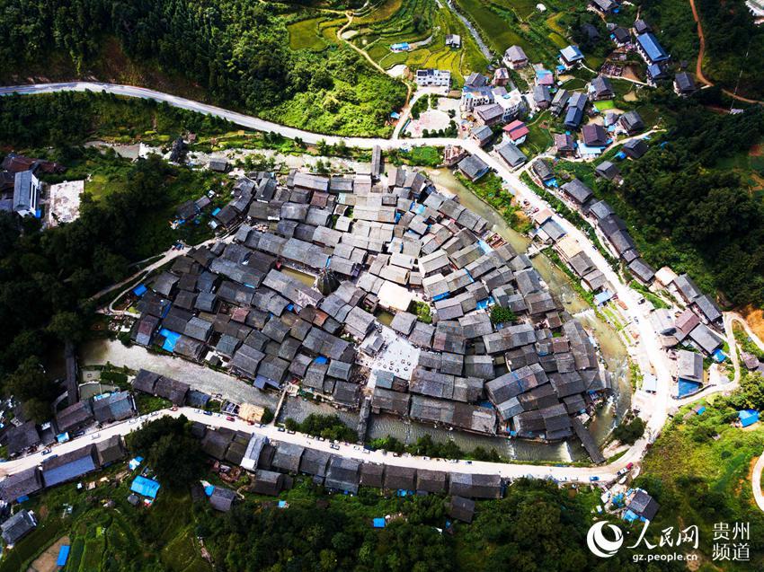 9月9日航拍的贵州省从江县往洞镇增冲侗寨。(吴德军 摄)